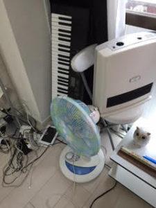 温風ヒーター・扇風機・折りたたみ椅子他