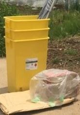 ポリ容器・ゴミ類